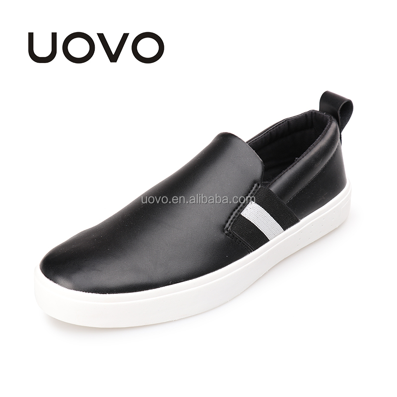slip on black men casual shoes to wear with jeans