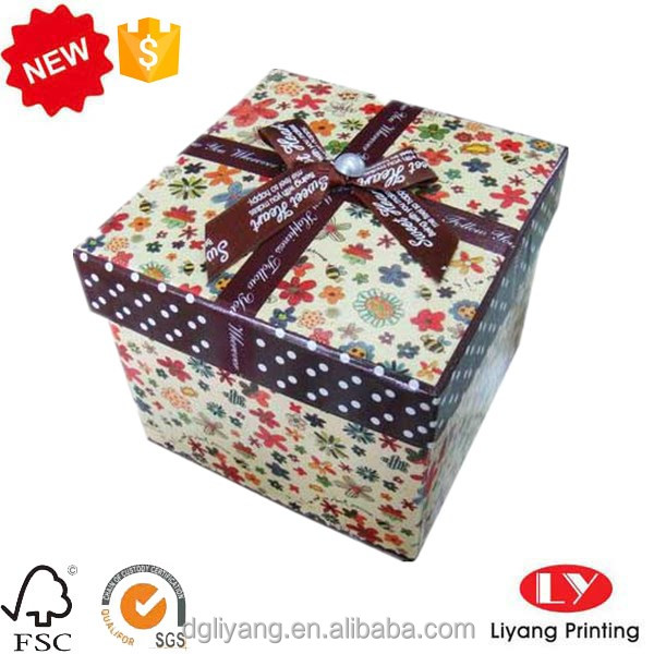 Wholesale Customized Fashion Design Paper gift box packaging,Christmas gift box,candle,perfume box with lid