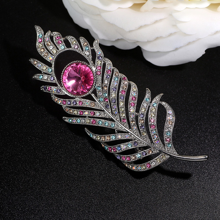 Leaf Crystal Unique Fancy Fashion Custom Women Copper Alloy Jewelry Metal Brooches Zircon China Wholesale Brooch For Women