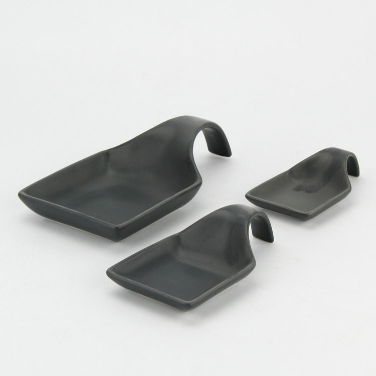 New design popular matte black food serving dish set / handled ceramic chafing dish