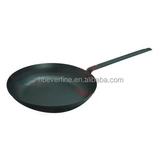 carbon steel frying pan with long handle