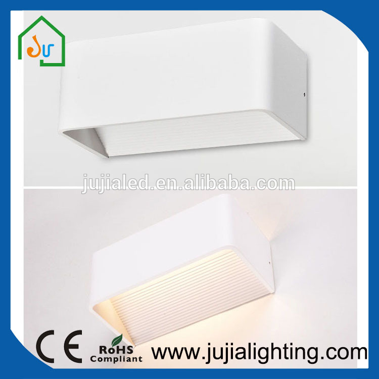 IP45 Indoor LED wall light Cuboid cover Residential wal light with high quality longer life