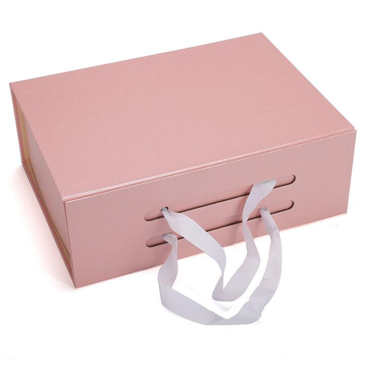 Eco friendly Wholesale High Quality Foldable Hardboard Paper Packaging Gift <strong>Box</strong> For Handbag/Garment
