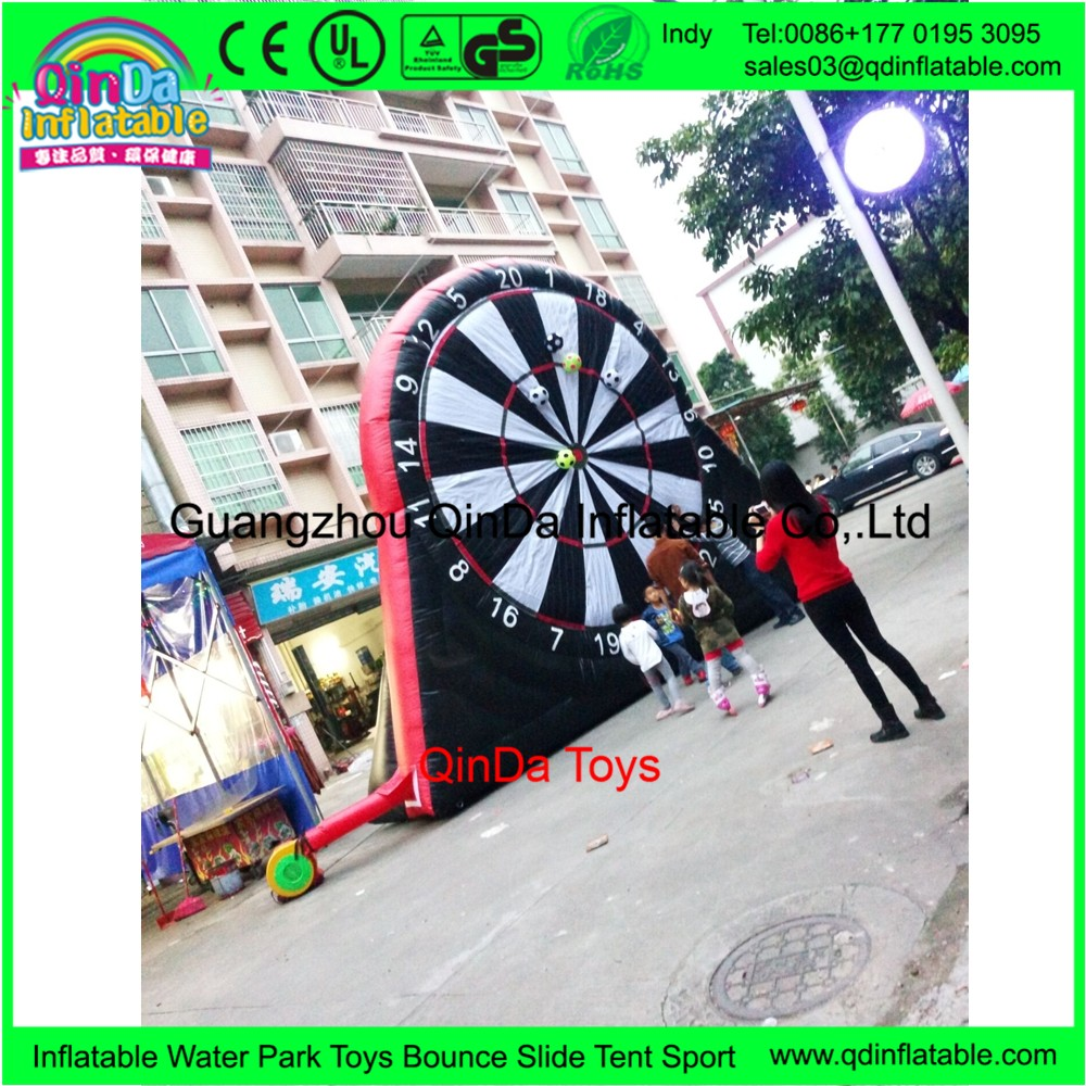 2017 Hot Outdoor Inflatable Football Games Dart Mat Giant Inflatable