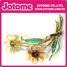 fashion Rhinestone Flower brooch