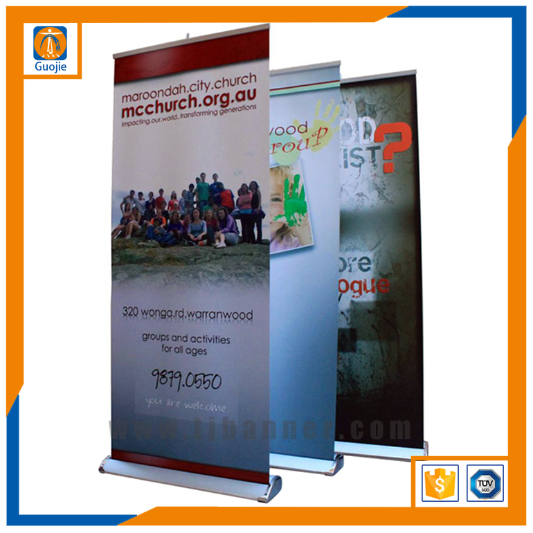 Retractables ports fan digital roll up banner size