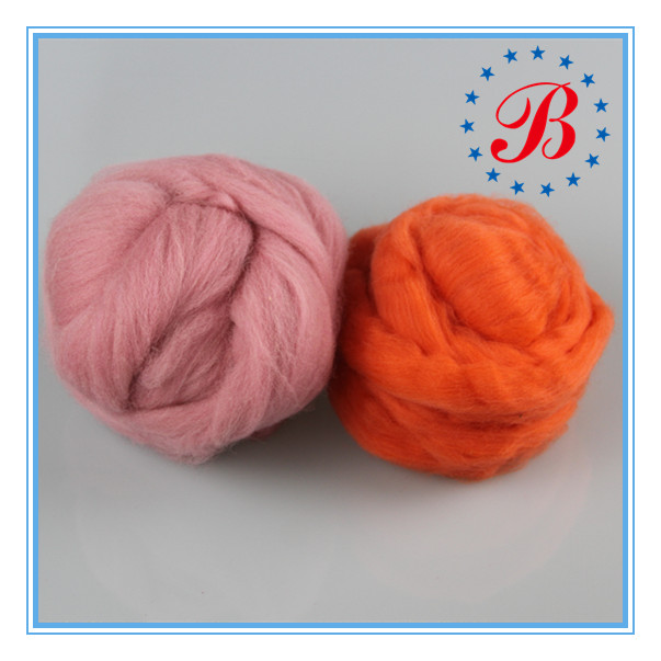 China Supplier Hot Sale Dyed Merino Wool Roving / Superfine 23 Micron Super Chunky Yarn