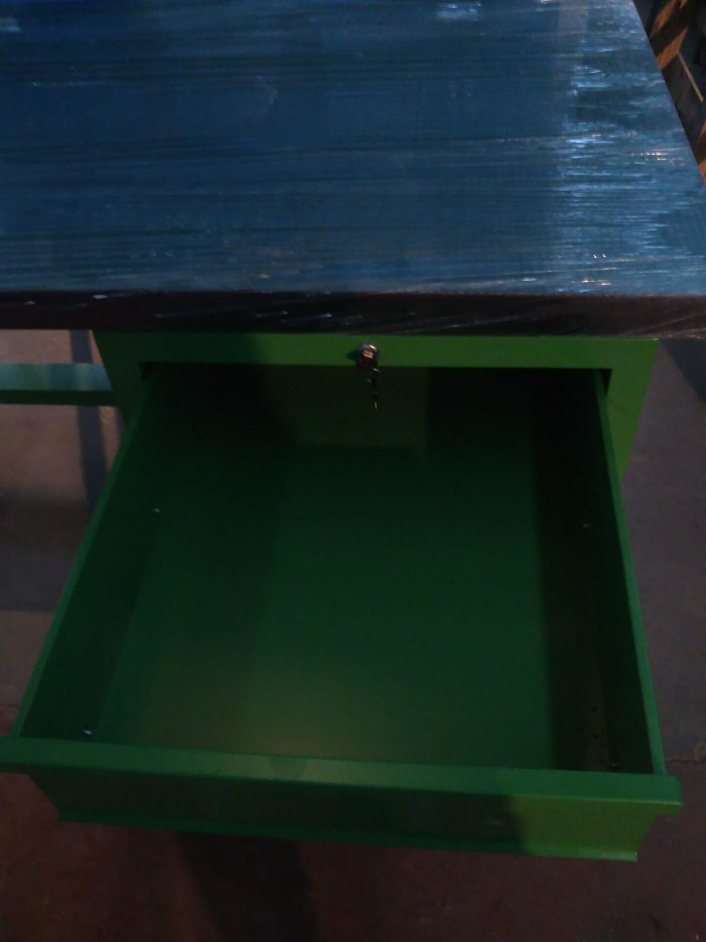 Very cheap furniture durable heavy duty esd workbench with for Very cheap furniture