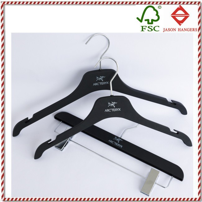 PL5001N personalized branded black rubber coated plastic clothes hanger