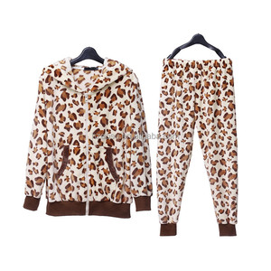 Long Sleeve Wholesale Fashion Leopard Printed Flannel Women Winter Pajamas