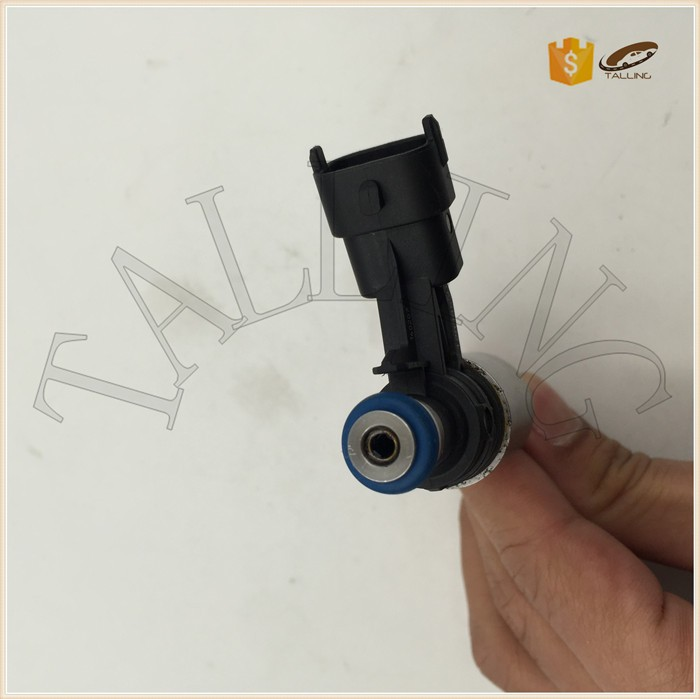 0261500148 BB5Z 9F593-B BB5Z9F593B 12638530 Auto Engine Parts Car Fuel Injector Nozzle For Bu i-ck