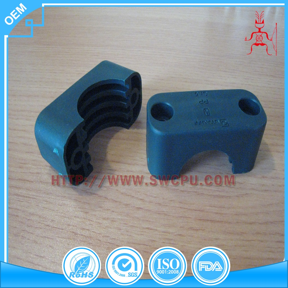 Custom molded plastic double pipe clamp
