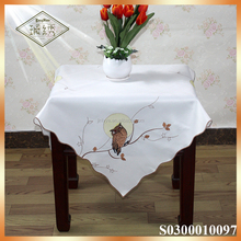Owl designs embroidered table cloth for thanksgiving holiday decor