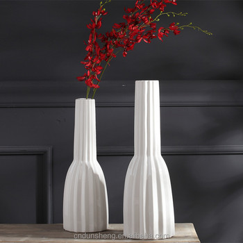 Yiwu Futian Market Wholesale Ceramic Tall Bisque Vase For Home