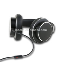 Wooden ear cup housing metal earphone noise-isolution