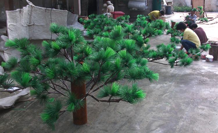 Factory Direct Sale Fiberglass Pine Christmas Tree Potted