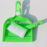 Plastic Dustpan and Brush set for table 501F