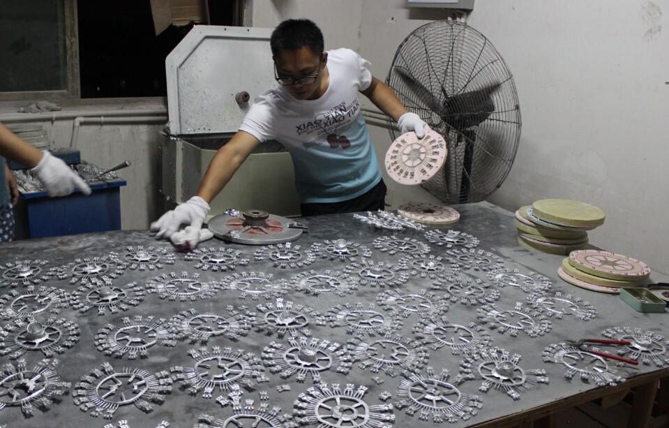 necklace making machine