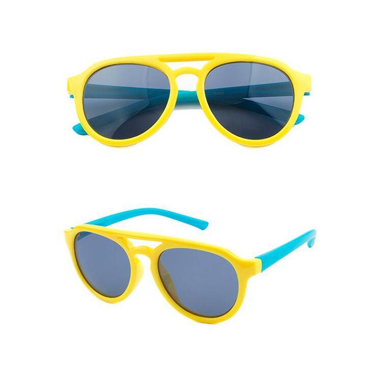 2fe45745b الأزياء عطلة الأطفال نظارات uv حماية هلام السيليكا طيار الاستقطاب أطفال  KC105 للبيع