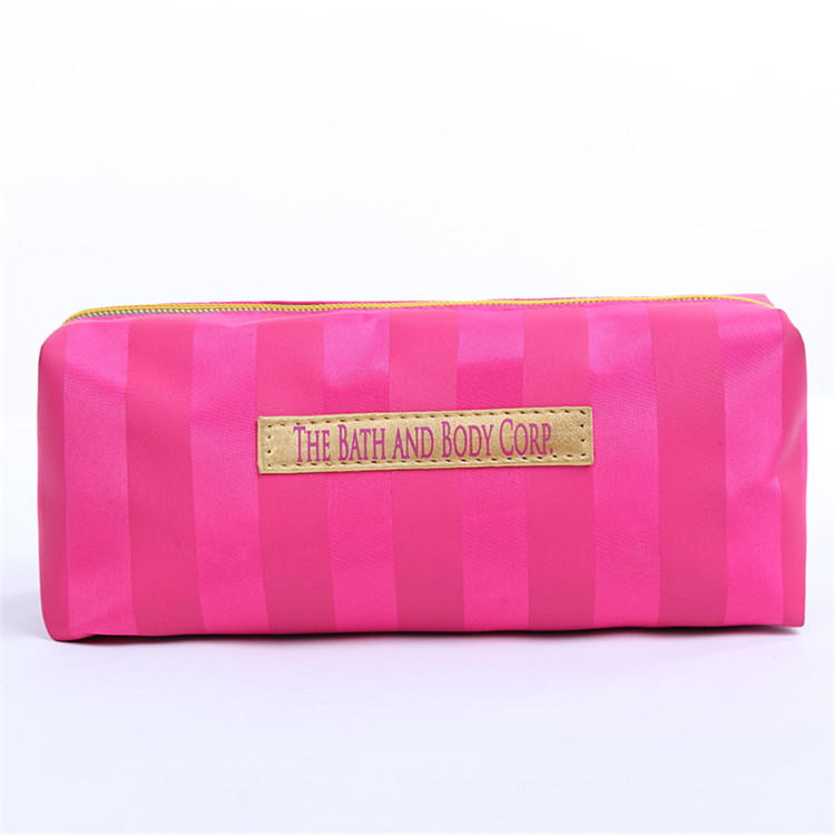 New Fashion Square cosmetic bag portable hand carry travel cosmetic bag washing bag customization
