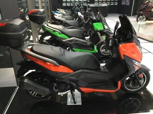 300cc pedal gas T9 scooter for adult