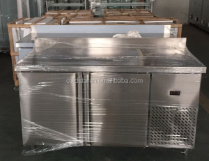 Stainless steel kitchen working table chiller/freezer/Counter top stainless steel pizza table / pizza work table in kitchen