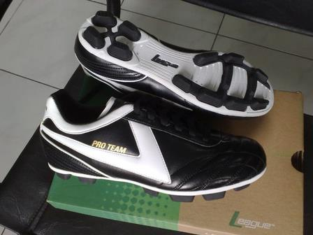 Soccer Shoes With High Quality