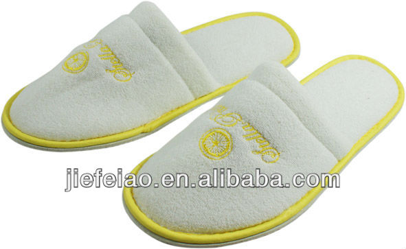 Luxury white terry cloth slippers 1 color embroidered logo