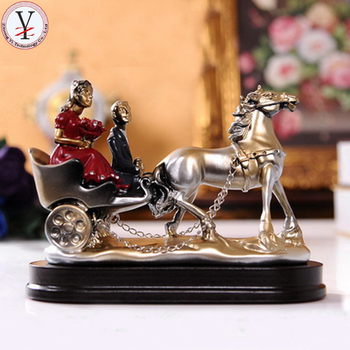 Resin Gifts For Newly Married Beautiful Wedding Horse Carriage