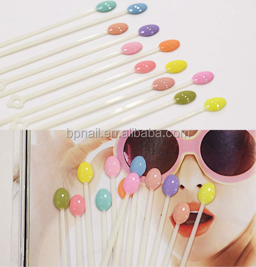 factory sale spoon shape plastic nail color display chart