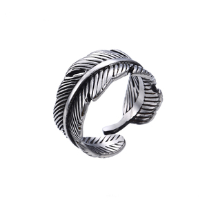 15484 xuping jewelry Uniquely designed feather shaped stainless steel men's ring