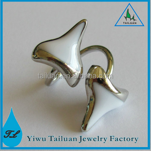 Alchemia Fossil Shark Tooth Ring