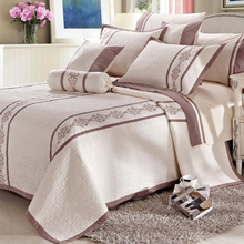 Best Selling Bedding Modern Design Embroidery 50 Cotton Quilts Wholesale