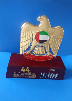Uae 44th Spirit Of The Union Falcon Stand Wooden Base Trophy For Uae 44th  National Day - Buy Uae Falcon Stand Wooden Plaque Trophy,Uae 44th National