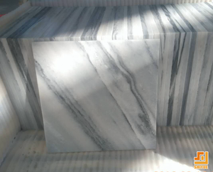 Polished standard size paving stone cloudy white marble tile