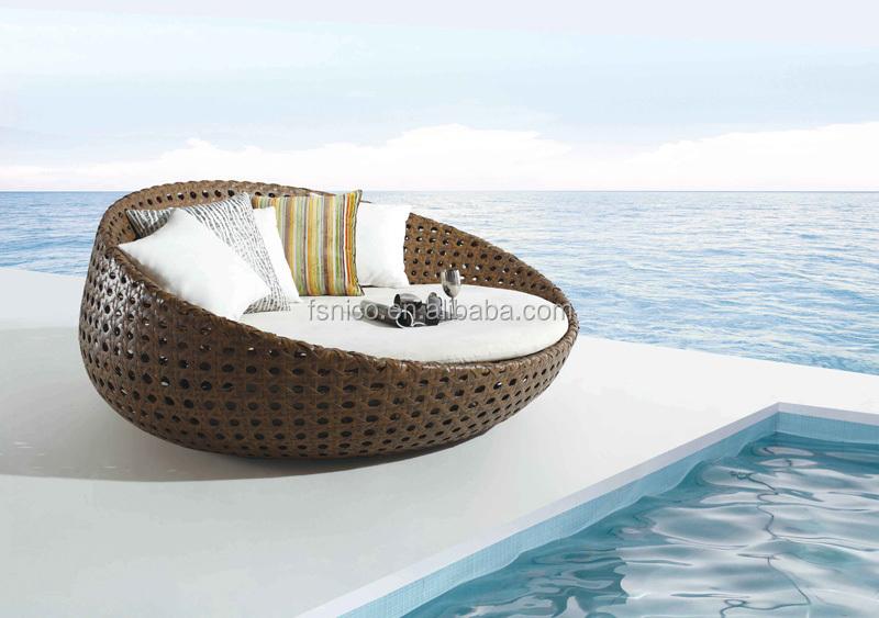 wicker canopy bed outdoor sunbed buy wicker sunbed wood. Black Bedroom Furniture Sets. Home Design Ideas