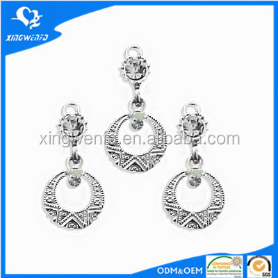 Wholesale cheap zinc alloy metal ornaments of bra