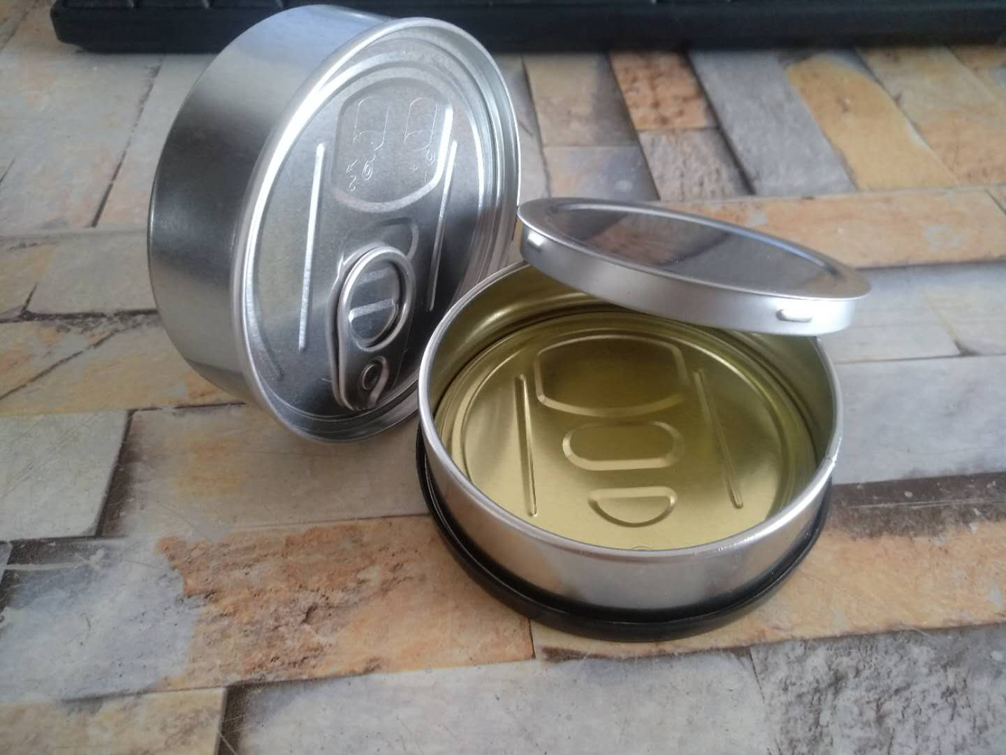 Factory made self seal aluminum peel off lid pressitin tin hemp cans with black or clear lid