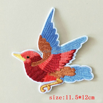 Wholesale embroidered bird applique(patch) for cloth