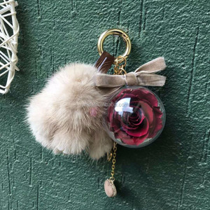 wedding souvenirs Mink rabbit preserved flowers in keychains