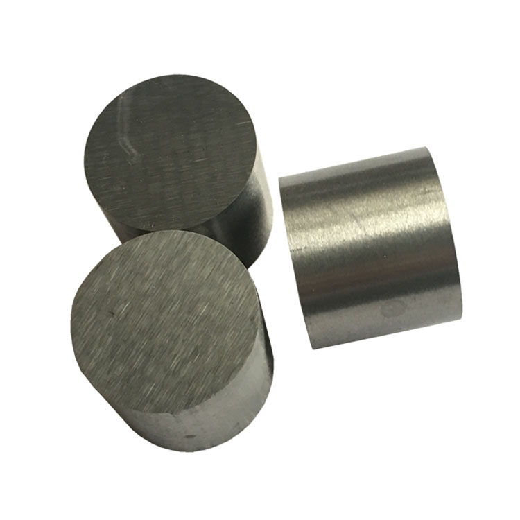 High wear resistance cemented carbide cold heading die