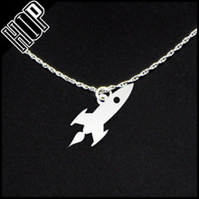 Fashion new style simple flat metal silver rocket Necklace