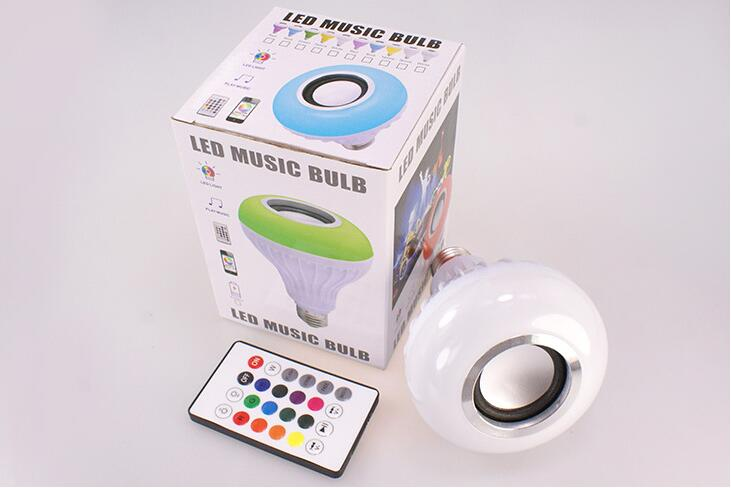 Wireless color-changing smart bluetooth music lamp,Warm white/RGB multcolor led bulb light with speaker