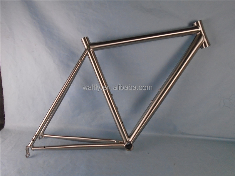 CX road bike frame with internal cable routing