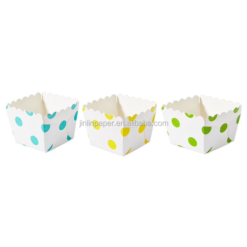 Customized Square Cake Cup Cupcake Square Paper Baking Cups