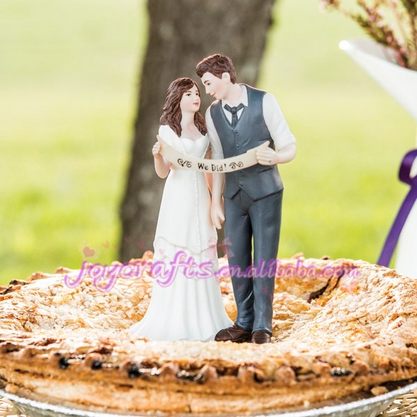 Wedding Favors Guitar Playing Couple Figurine Cake Topper - Buy Cake ...
