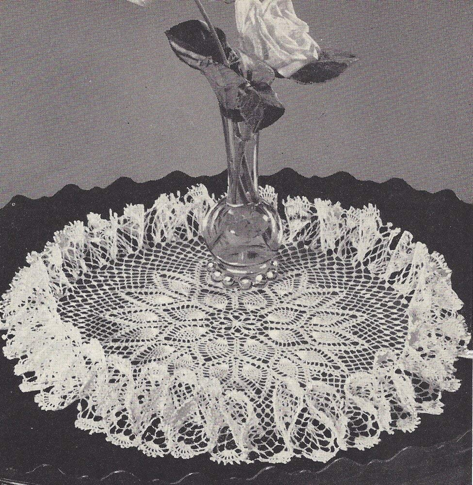 Vintage Crochet Pattern to make Pineapple Border Design Hostess Apron