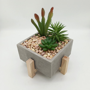 Factory hot selling artificial outdoor cactus indoor decorative artificial plant with pots