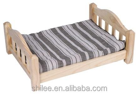 Plush mat wooden pet bed for cat dog