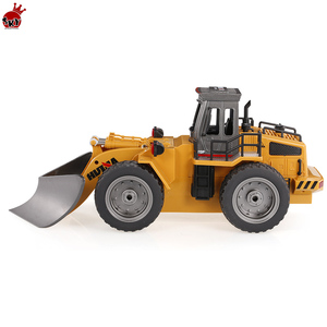 HuiNa Toys 1586 Snow Clearer 1:18 Engineering Truck Snowplows 6 Channels 2.4G Alloy RC Car